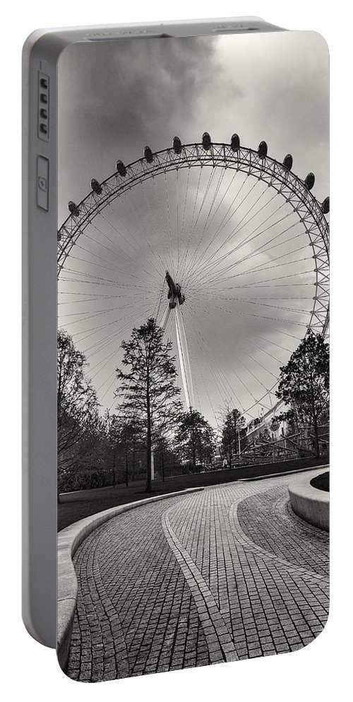 London Portable Battery Charger featuring the photograph London Eye by Alfio Finocchiaro