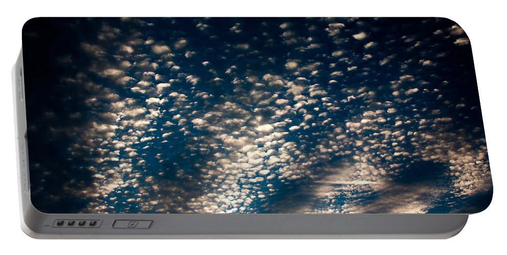 Portable Battery Charger featuring the photograph Looking Up by Sue Conwell