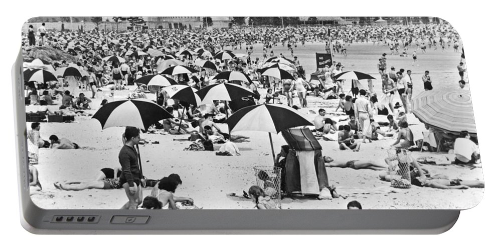 1938 Portable Battery Charger featuring the photograph Orchard Beach In The Bronx by Underwood Archives