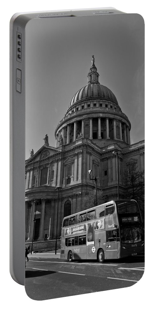 St Paul's Portable Battery Charger featuring the photograph St Paul's Cathedral London by David Pyatt