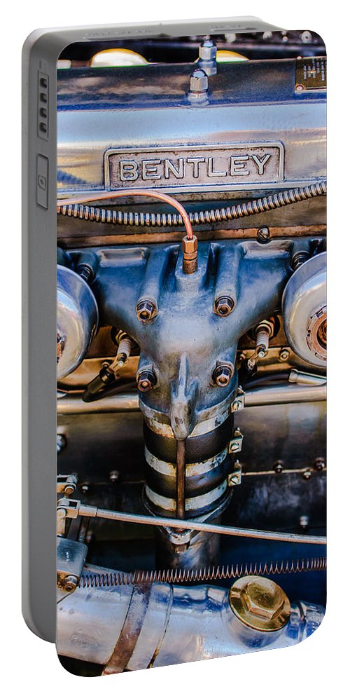 1931 Bentley 4.5 Liter Supercharged Le Mans Engine Emblem Portable Battery Charger featuring the photograph 1931 Bentley 4.5 Liter Supercharged Le Mans Engine Emblem by Jill Reger
