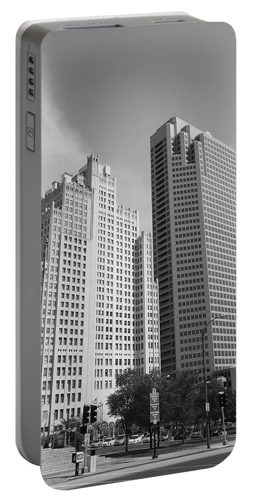 America Portable Battery Charger featuring the photograph St. Louis Skyscrapers by Frank Romeo