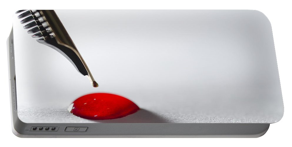Pen Portable Battery Charger featuring the photograph Stylograph Pen Tip by Mats Silvan
