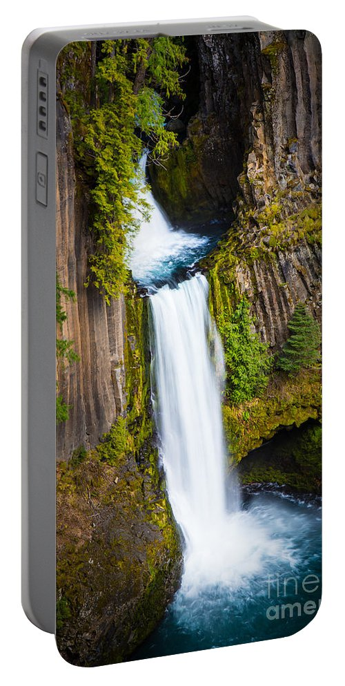 America Portable Battery Charger featuring the photograph Toketee Falls by Inge Johnsson