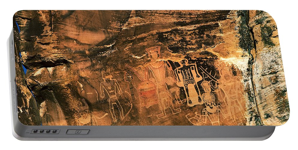 Utah Portable Battery Charger featuring the photograph 3 Kings Rock Art by Thomas Levine