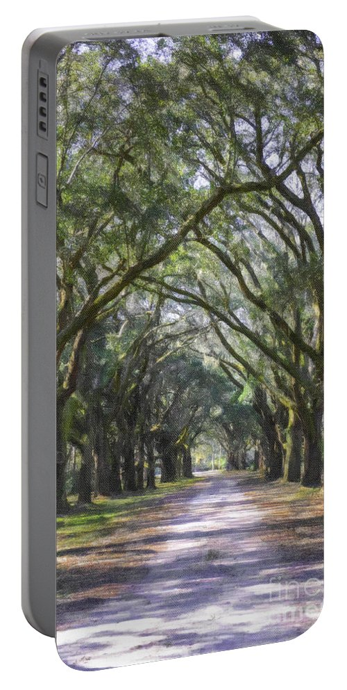 Allee Of Oaks Portable Battery Charger featuring the photograph Allee Of Oaks Road by Dale Powell