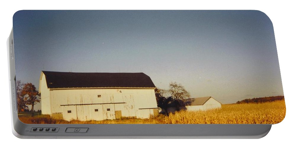 Neighbors Barn In Lapeer Portable Battery Charger featuring the photograph Michigan Barn by Robert Floyd