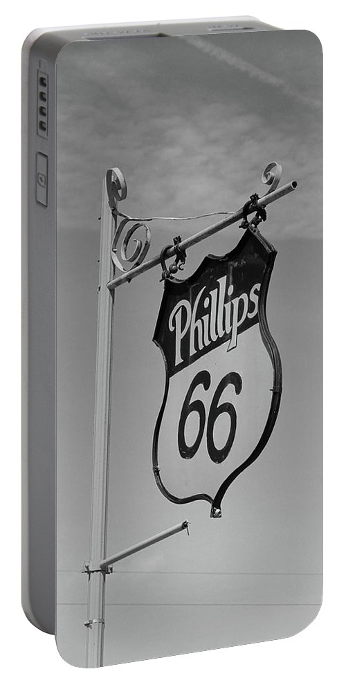 66 Portable Battery Charger featuring the photograph Route 66 - Mclean Texas by Frank Romeo
