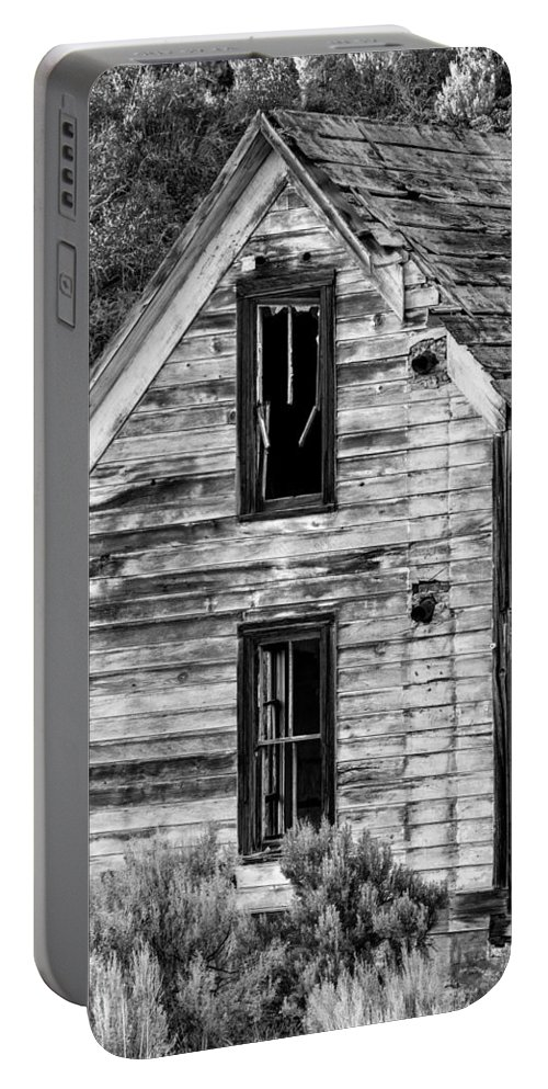 2013 Portable Battery Charger featuring the photograph Abandoned Farmhouse - Alstown - Washington - May 2013 by Steve G Bisig