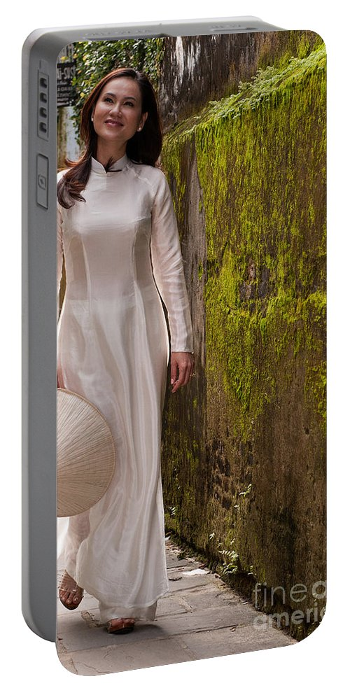Vietnam Portable Battery Charger featuring the photograph Ao Dai 03 by Rick Piper Photography