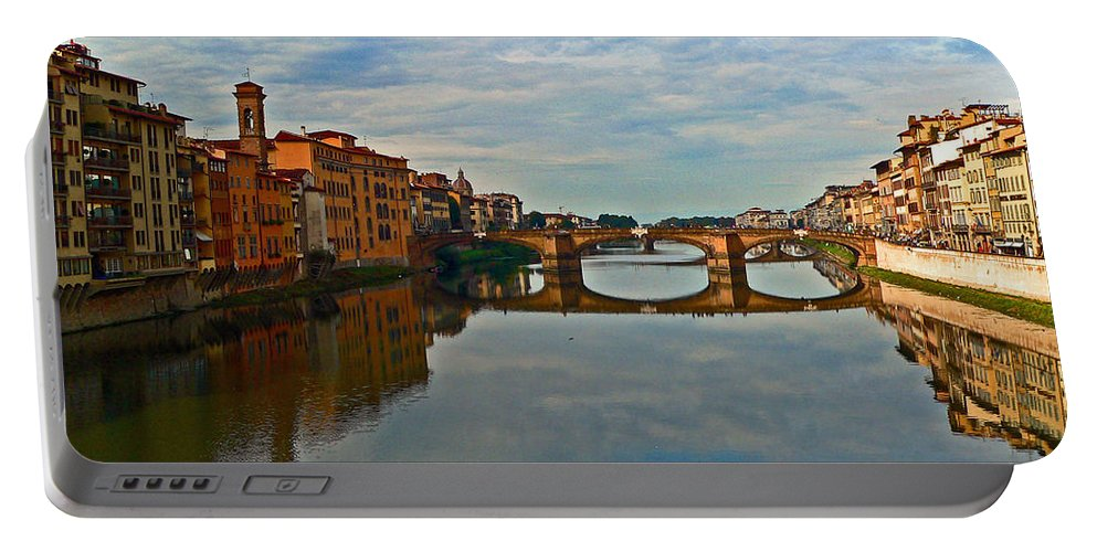 Florence Portable Battery Charger featuring the photograph Arno River by Eric Tressler