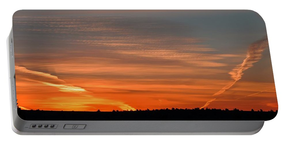 Oregon Portable Battery Charger featuring the photograph Artwork Of The Sky by Image Takers Photography LLC - Laura Morgan