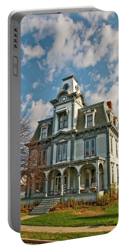 Buildings Portable Battery Charger featuring the photograph Auburn Home 0075 by Guy Whiteley