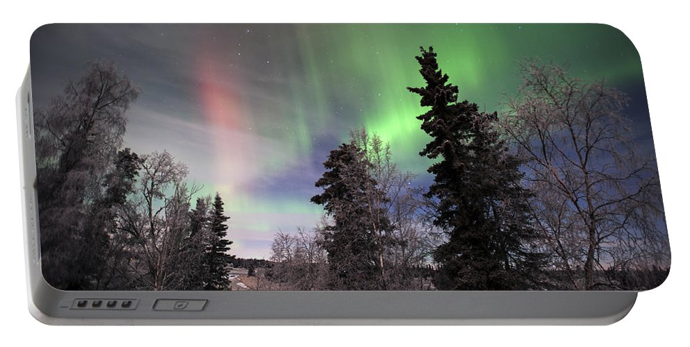 Alaska Portable Battery Charger featuring the photograph Aurora 2015 by Clint Pickarsky