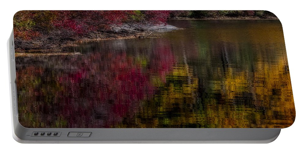 Autumn Portable Battery Charger featuring the photograph Autumns Color Pallette by Susan Candelario