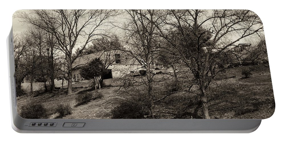 Black And White Portable Battery Charger featuring the photograph Barn On A Hillside by Jay Ressler