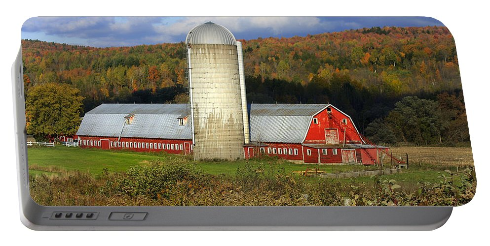 Landscape Portable Battery Charger featuring the photograph Barn On The River Rd. by Deborah Benoit
