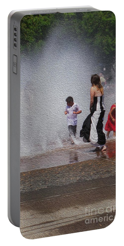 Portland Portable Battery Charger featuring the photograph Beating The Heat by David Bearden
