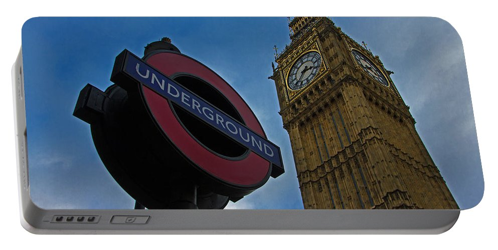 Big Ben Portable Battery Charger featuring the photograph Big Ben by David Pringle