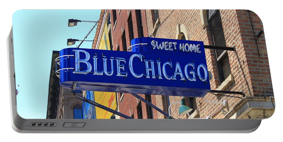 America Portable Battery Charger featuring the photograph Blue Chicago Club by Frank Romeo