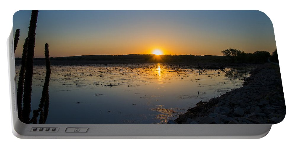 Dawn Portable Battery Charger featuring the photograph Breaking Dawn by Jayne Gohr
