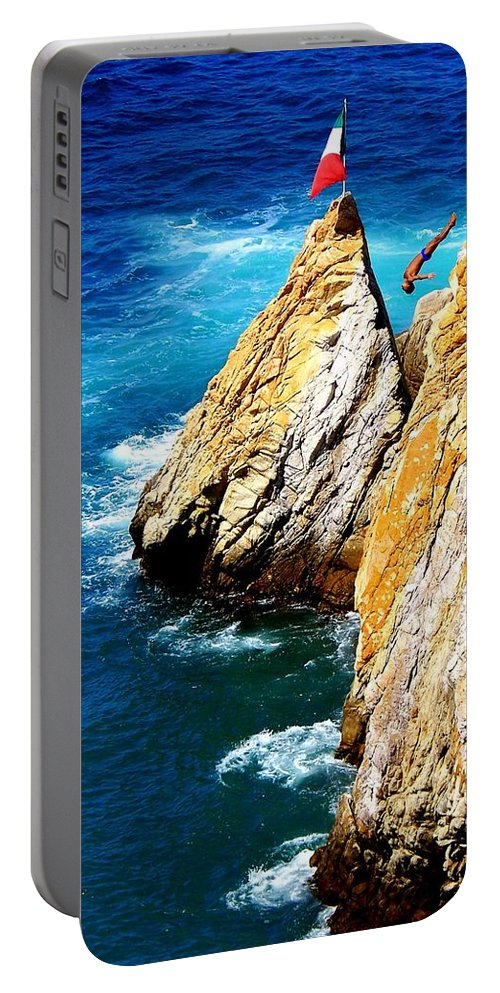 Breathtaking Portable Battery Charger featuring the photograph Breathtaking Free Fall by Karen Wiles