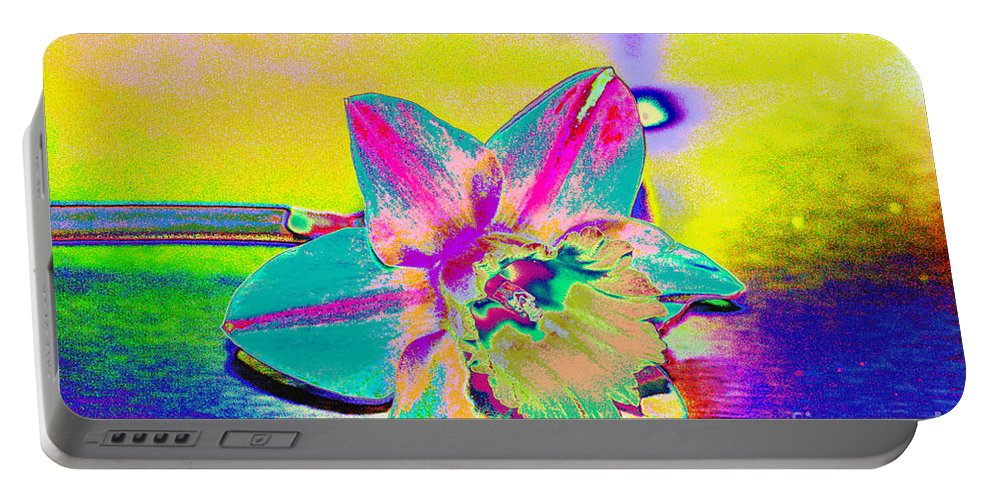 Daff Portable Battery Charger featuring the digital art Bright Daff by Carol Lynch
