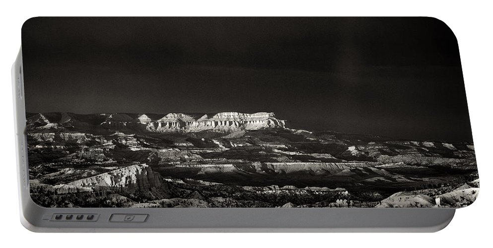 North America Portable Battery Charger featuring the photograph Bryce Canyon Formations In Black And White by Dave Welling