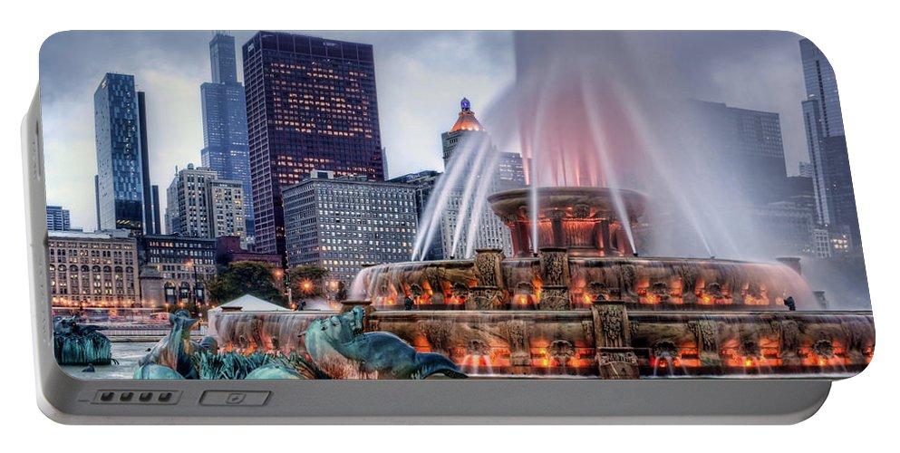 Buckingham Fountain Portable Battery Charger featuring the photograph Buckingham Fountain - 2 by Nikolyn McDonald