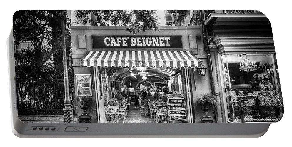 Nola Portable Battery Charger featuring the photograph Cafe Beignet Morning Nola - Bw by Kathleen K Parker