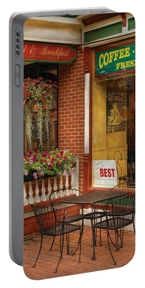 Ice Cream Portable Battery Charger featuring the photograph Cafe - The Best Ice Cream In Lancaster by Mike Savad