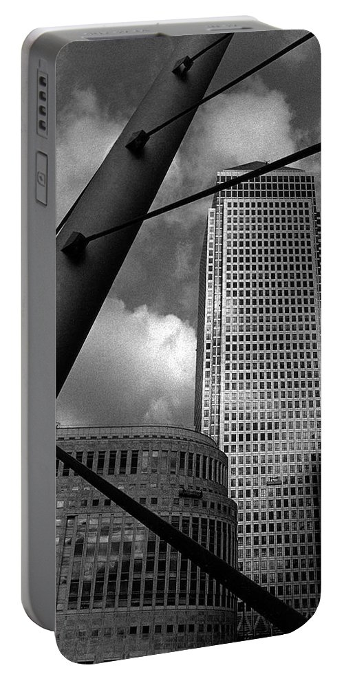 Canary Wharf Portable Battery Charger featuring the photograph Canary Wharf London by David Rives