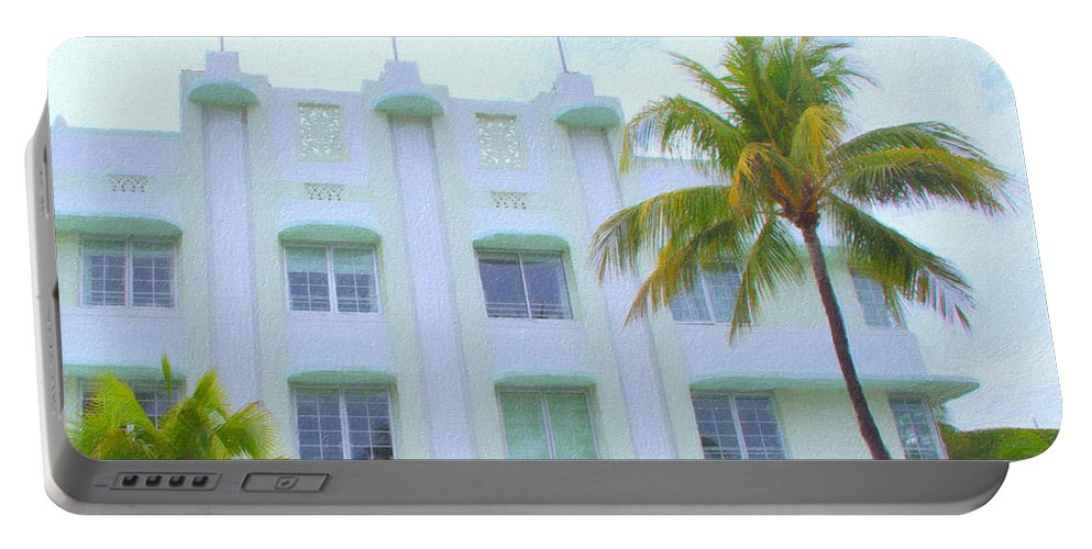 Art Deco Portable Battery Charger featuring the photograph Carlyle Hotel by Tom Reynen