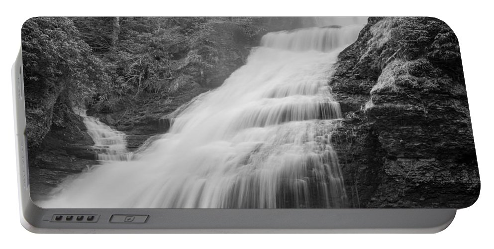 Pennsylvania Portable Battery Charger featuring the photograph Cascades by Kristopher Schoenleber