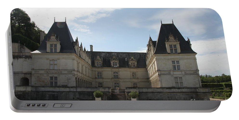 Palace Portable Battery Charger featuring the photograph Chateau Villandry by Christiane Schulze Art And Photography