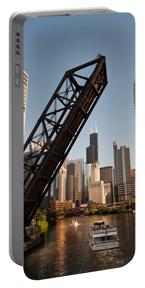 Chicago Portable Battery Charger featuring the photograph Chicago River Traffic by Steve Gadomski