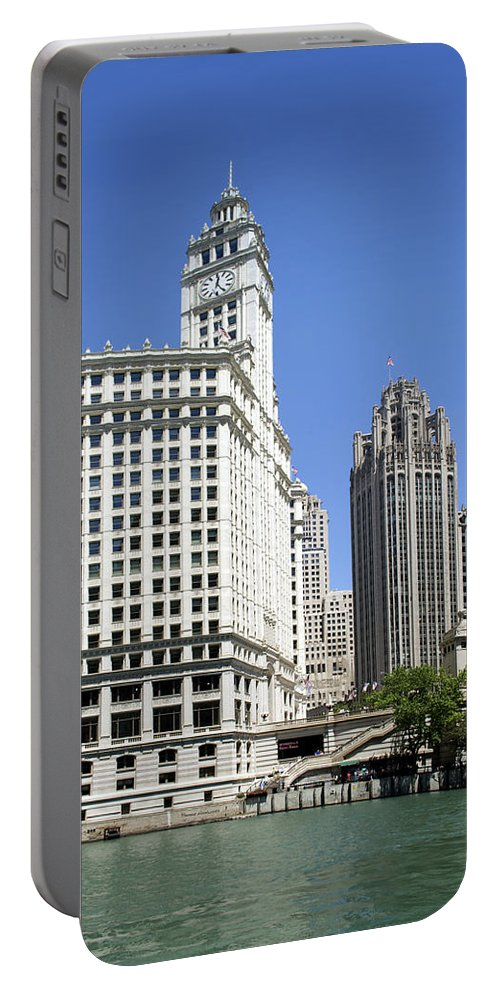 Riverwalk Portable Battery Charger featuring the photograph Chicago River Walk Wrigley And Tribune by Thomas Woolworth