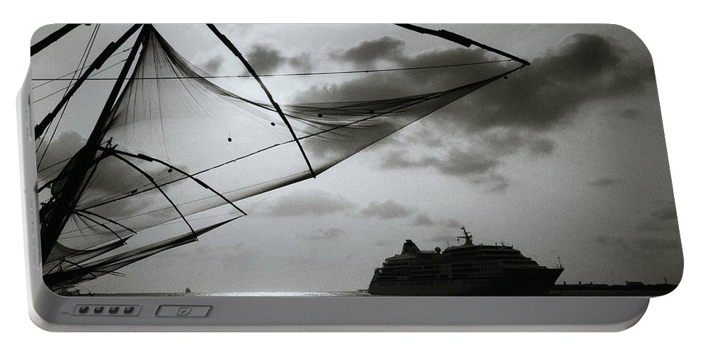 Seascape Portable Battery Charger featuring the photograph Approaching Cochin by Shaun Higson