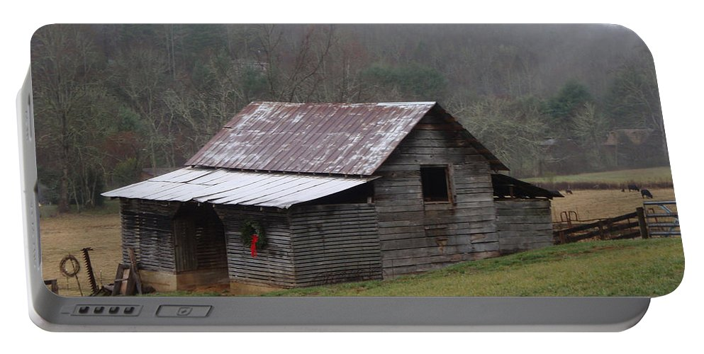 Barn Portable Battery Charger featuring the photograph Christmas in the Mountains by Jean Blackmer