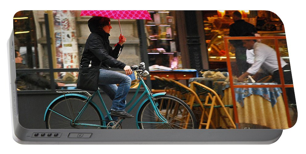 Ciclista Portable Battery Charger featuring the photograph Ciclista - Milano by Carlos Alkmin