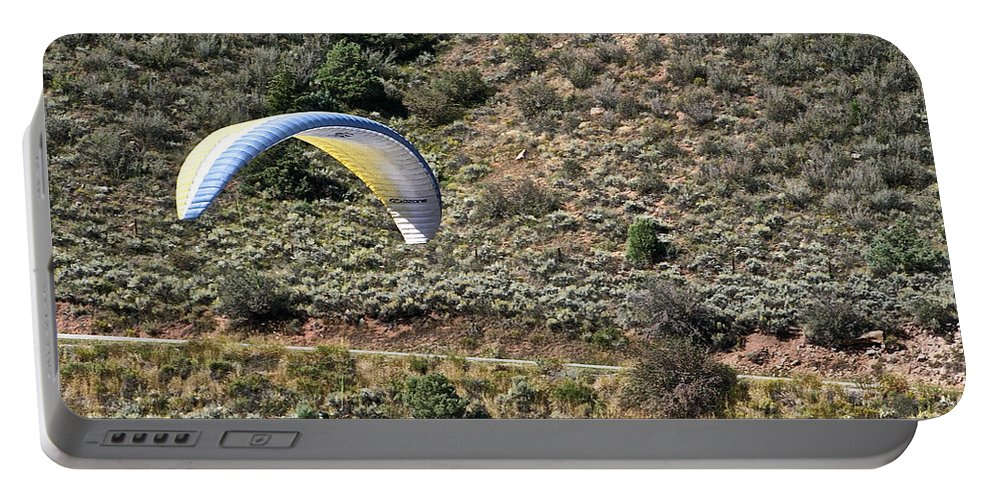 Para Gliding Portable Battery Charger featuring the photograph Close by Susan Herber