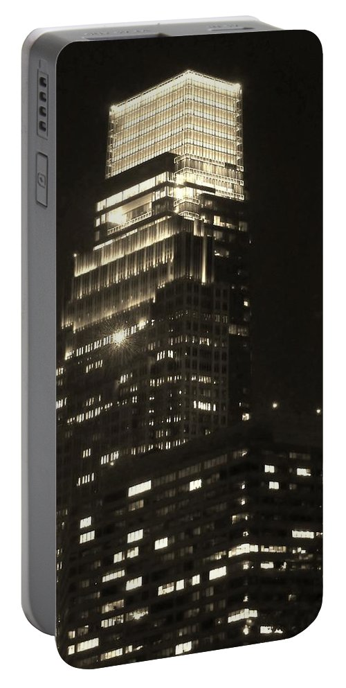 Comcast Center Portable Battery Charger featuring the photograph Comcast Center by Ed Sweeney