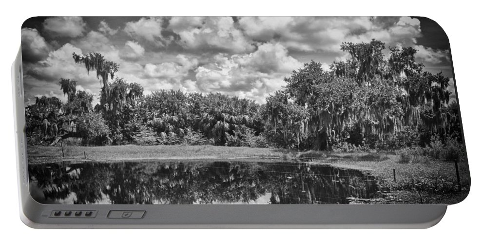 Florida Portable Battery Charger featuring the photograph Country Lake 2 by Skip Nall