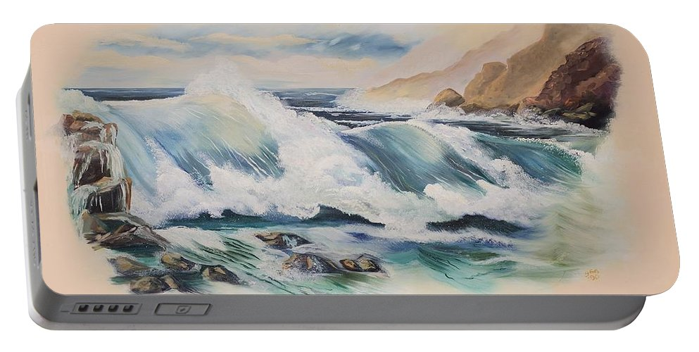 Ocean Portable Battery Charger featuring the painting Crashing On The Rocks by Gladys Berchtold