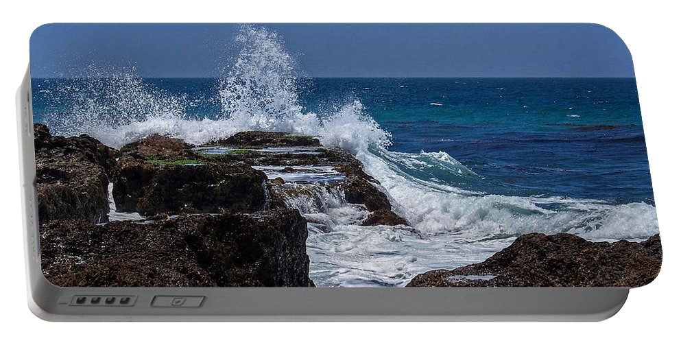Oceans Portable Battery Charger featuring the digital art Crashing Wave by Ernie Echols