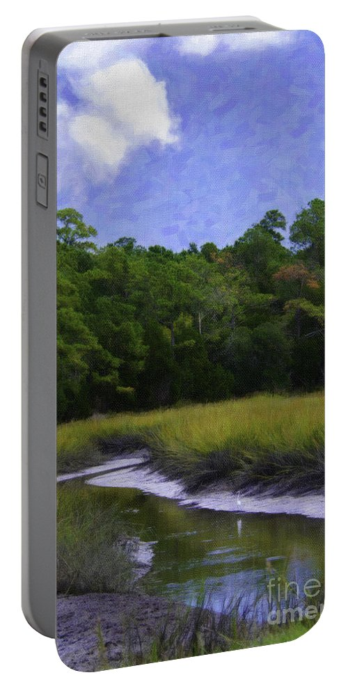 White Heron Portable Battery Charger featuring the photograph Creekside Fishing by Dale Powell