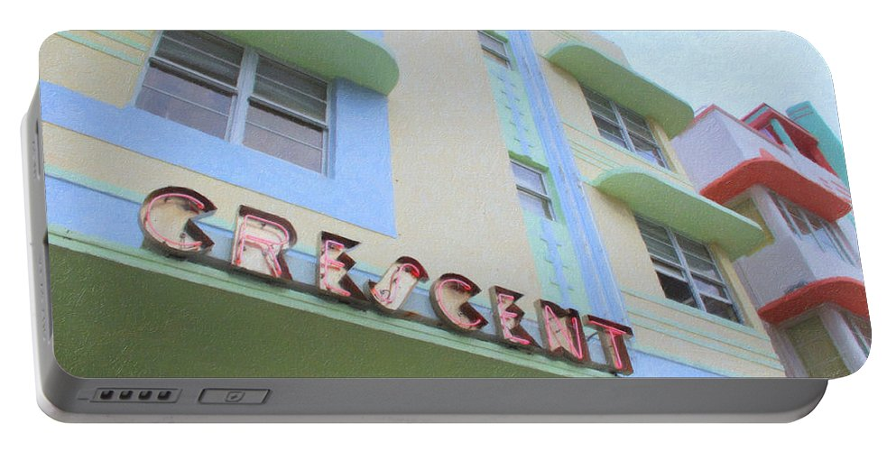 Art Deco Portable Battery Charger featuring the photograph Crescent Hotel by Tom Reynen