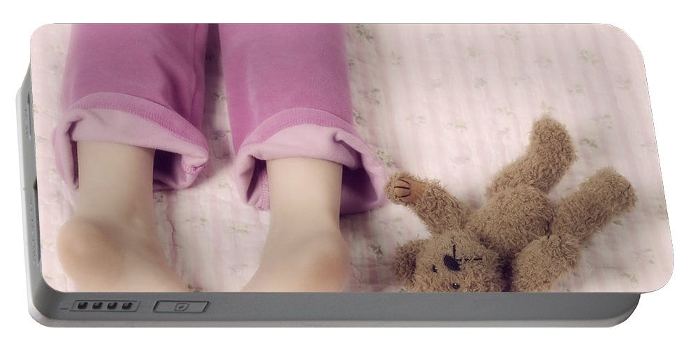 Feet Portable Battery Charger featuring the photograph Cuddle by Joana Kruse