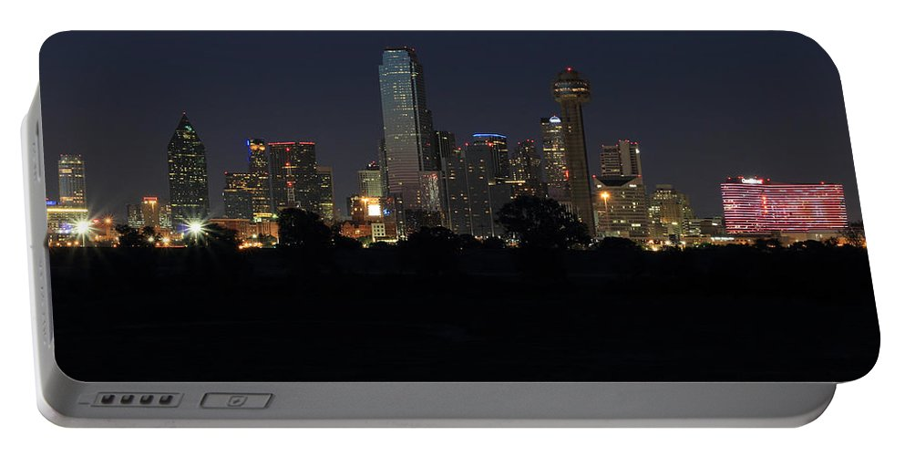 Dallas Portable Battery Charger featuring the photograph Dallas Skyline Twilight by Jonathan Davison