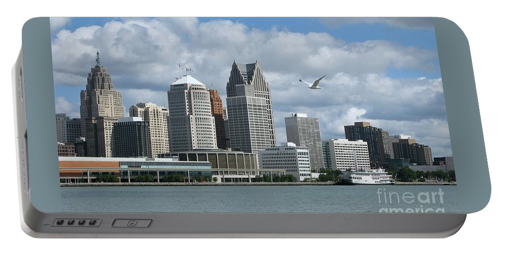 Detroit Portable Battery Charger featuring the photograph Detroit Riverfront by Ann Horn